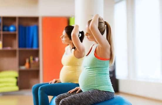 Conheça os benefícios do alongamento durante a gestação