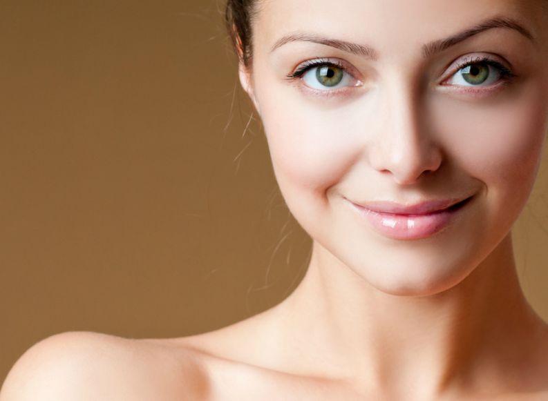 Como manter a pele protegida dos raios solares antes da maquiagem