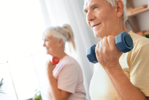 Exercícios físicos e idosos, uma combinação perfeita