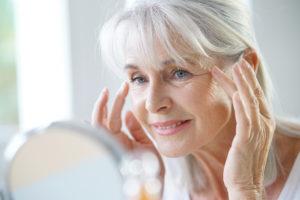 A pele do idoso precisa de cuidados especiais?